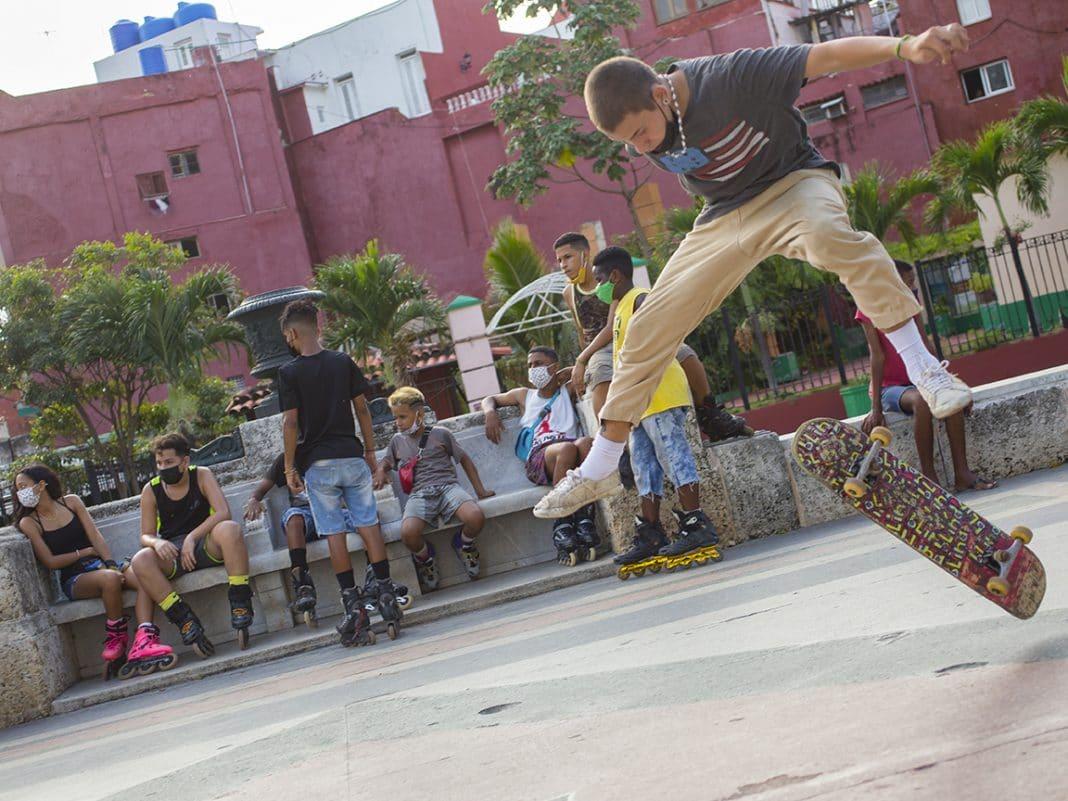 skaters en Cuba