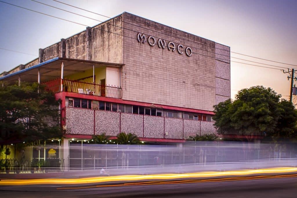 Cine del Mónaco en Cuba
